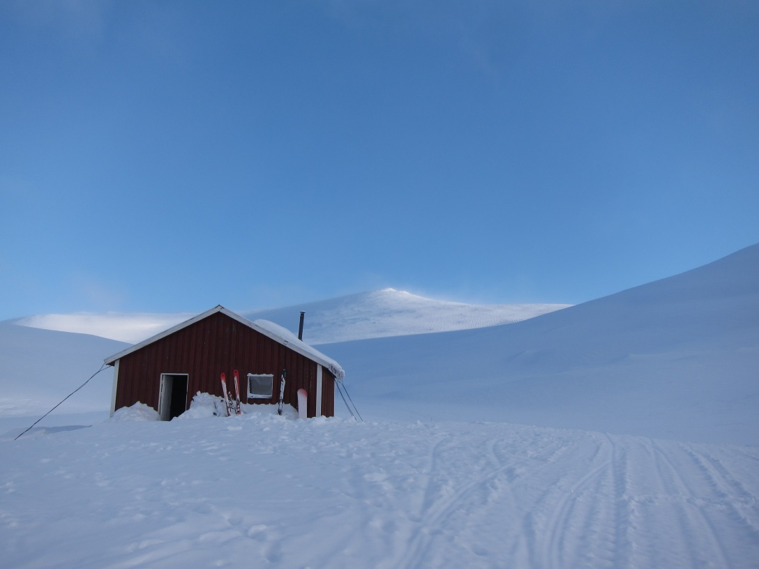 The Klöver cabin in daylight