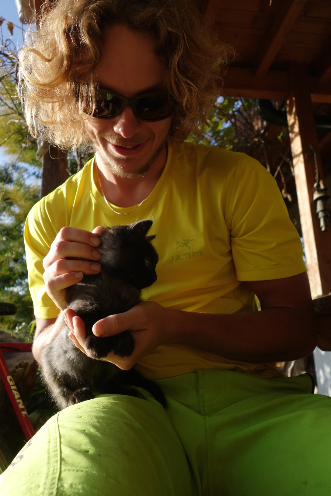 Martin hanging out with cute cat
