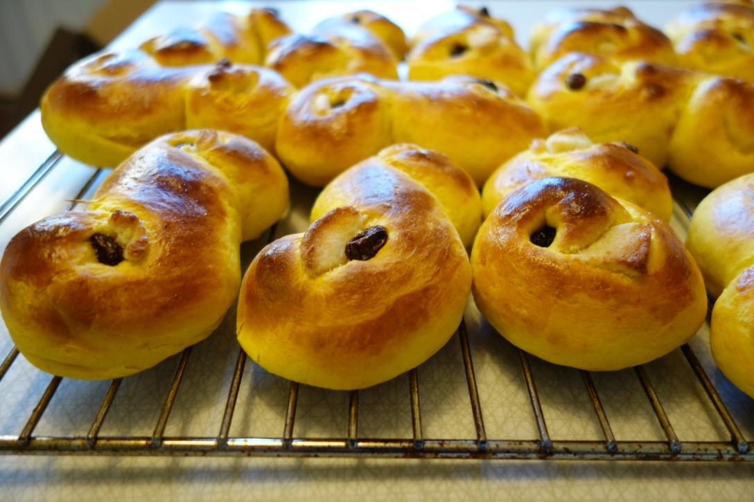 Yellow buns