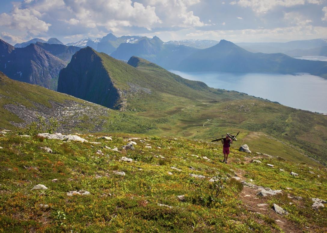 Climbing Husfellet. Photo by Martin.