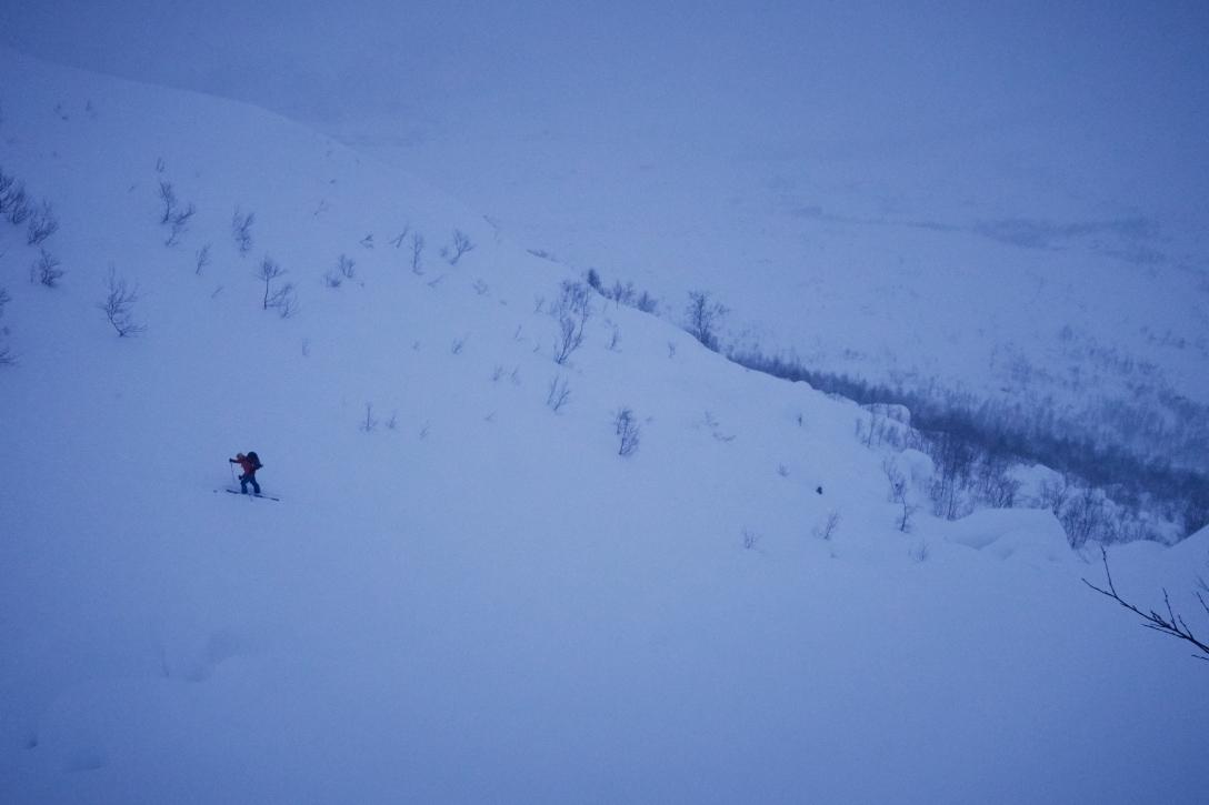 Kai ascending Skitntind.