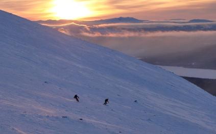 Jacke and Maria skiing Ryfjellet