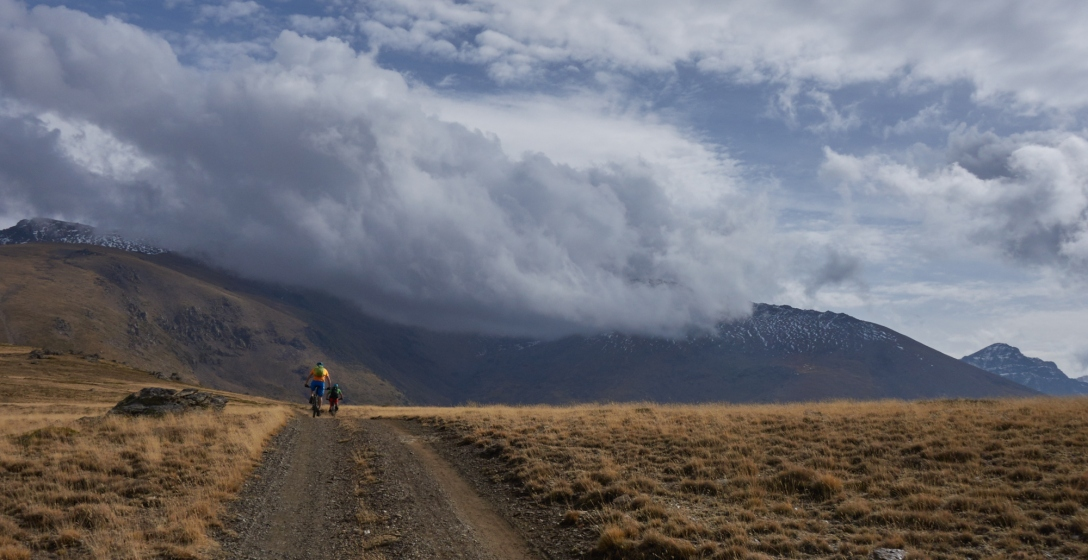 Giving birth to blisters on the way up to Papeles. Riders: Sam Wood and Martin Stefan.