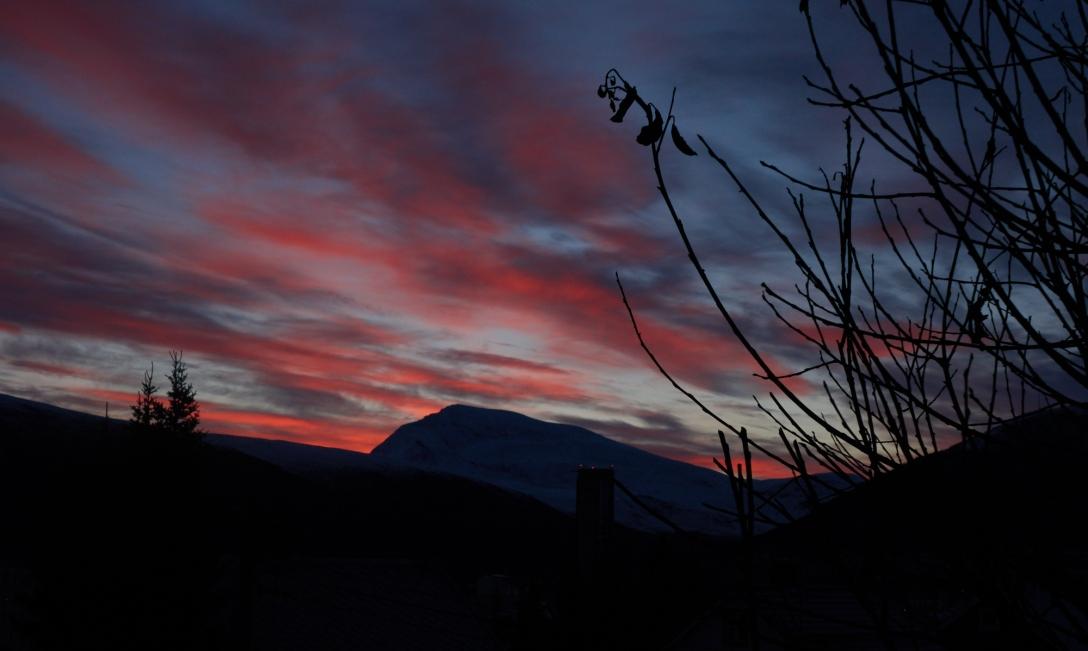 Tromsdalstinden. November 2nd. 07.59 am.